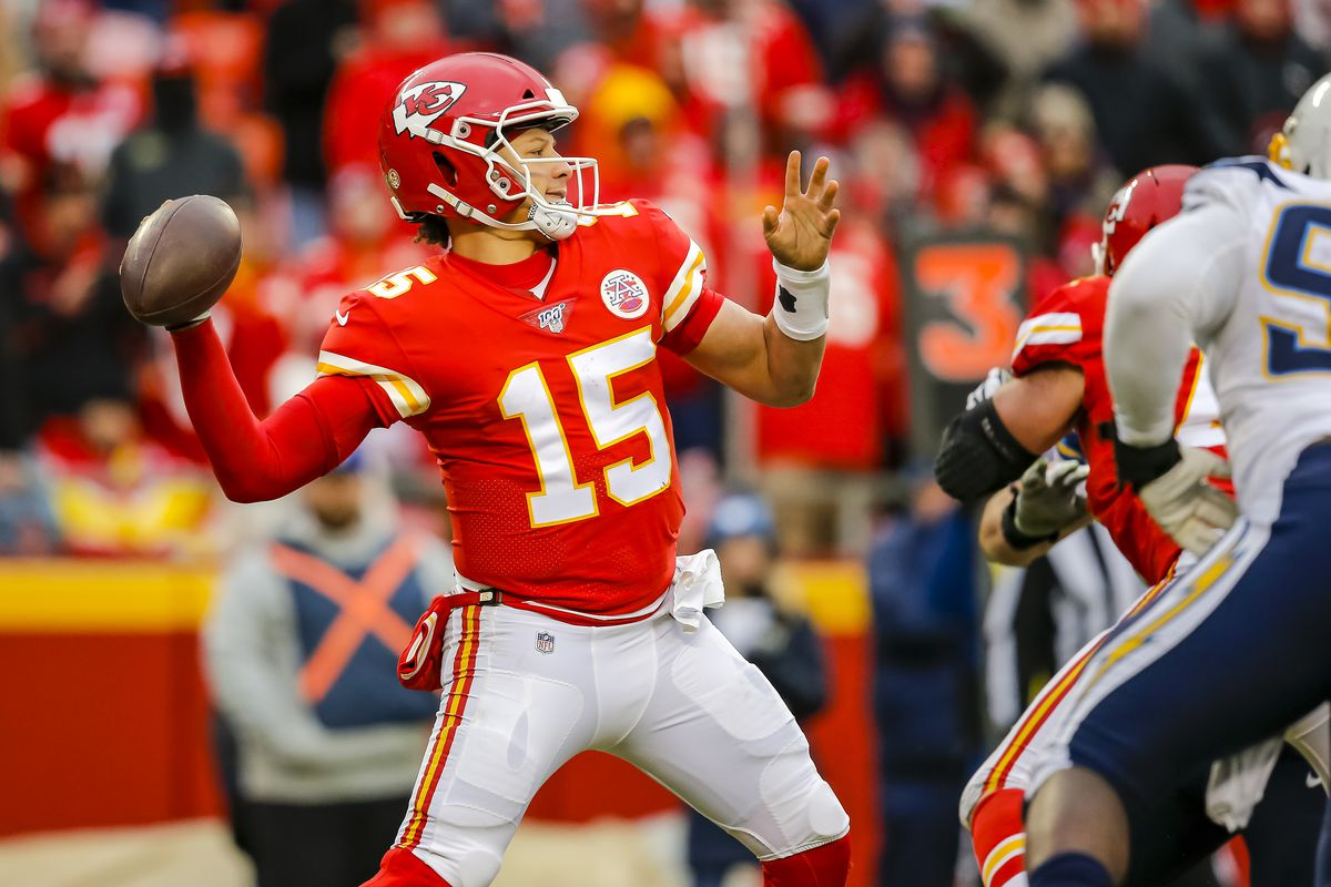 Los Angeles Chargers v Kansas City Chiefs