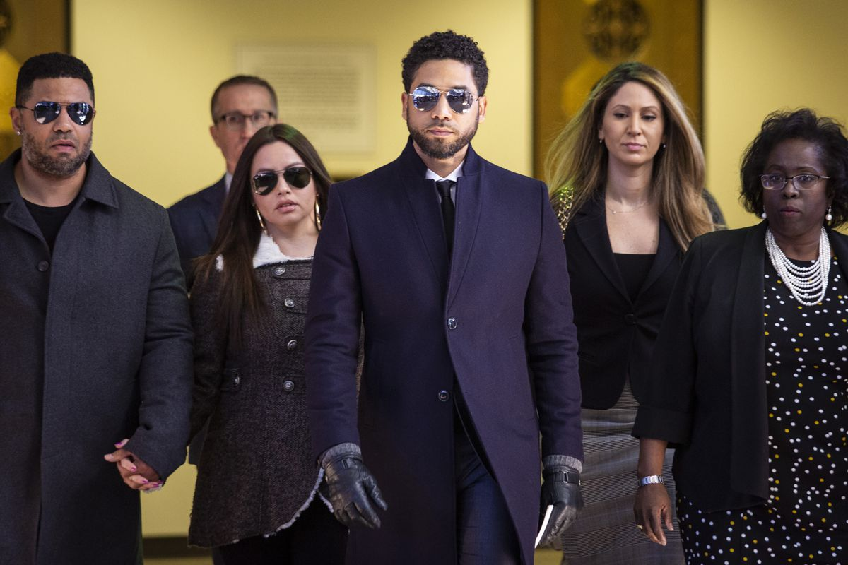 Actor Jussie Smollett walks out of the Leighton Criminal Courthouse on March 26, 2019.