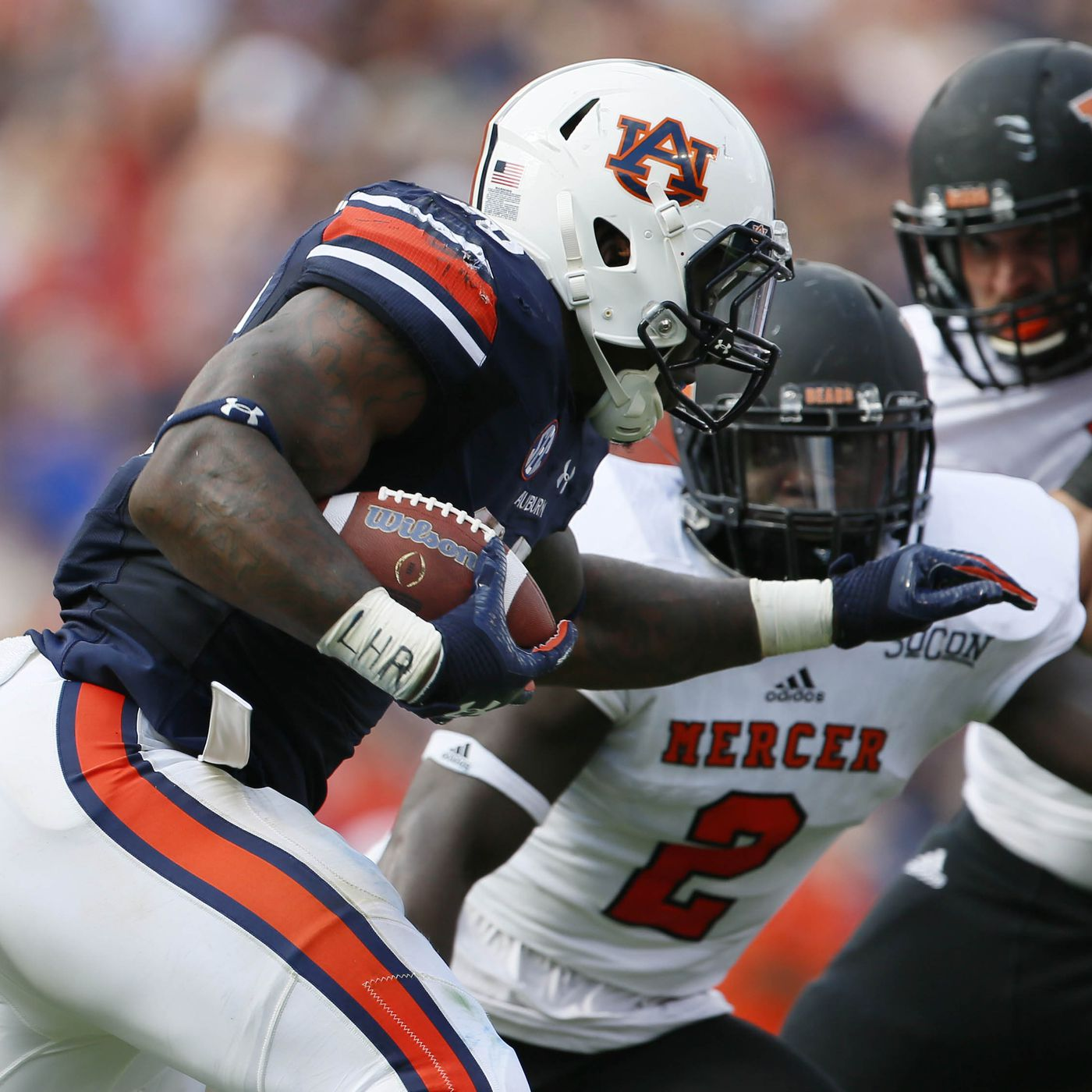 The difference between FBS and FCS football 4cf8ec1cb