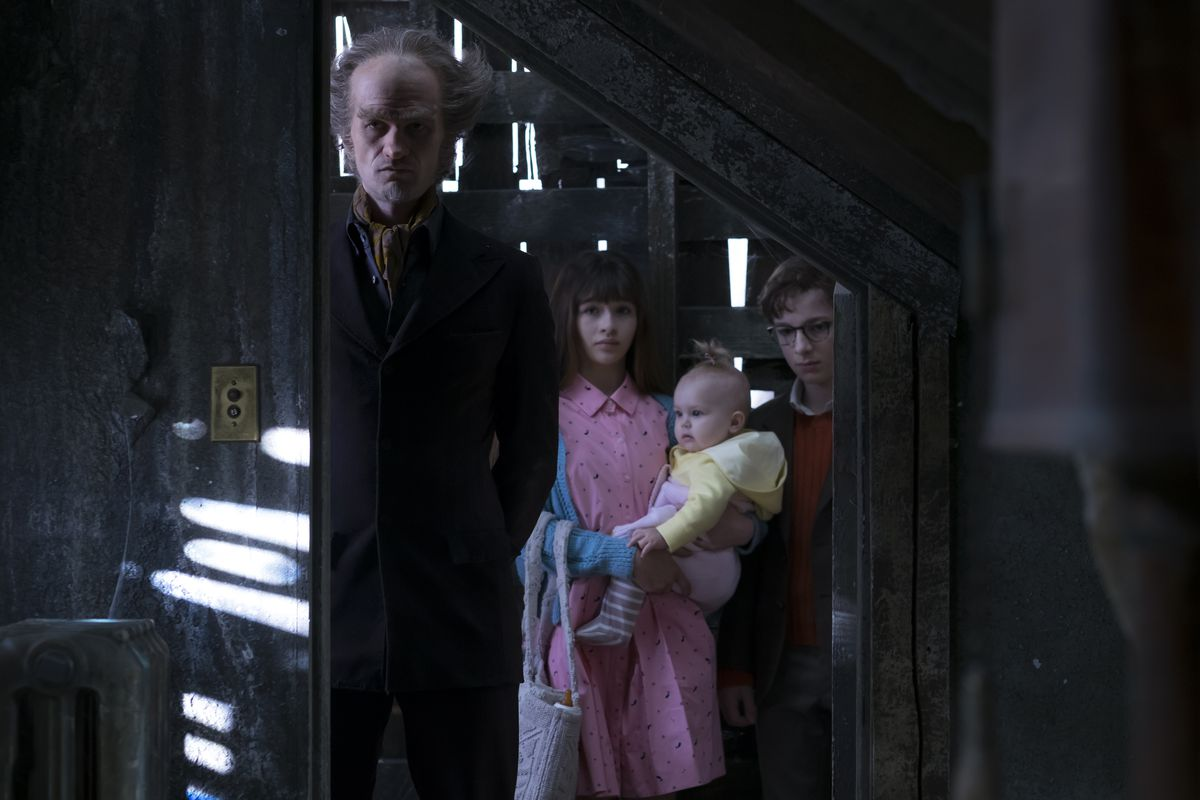 how netflix made a series of unfortunate events its first great tv for families the verge. Black Bedroom Furniture Sets. Home Design Ideas