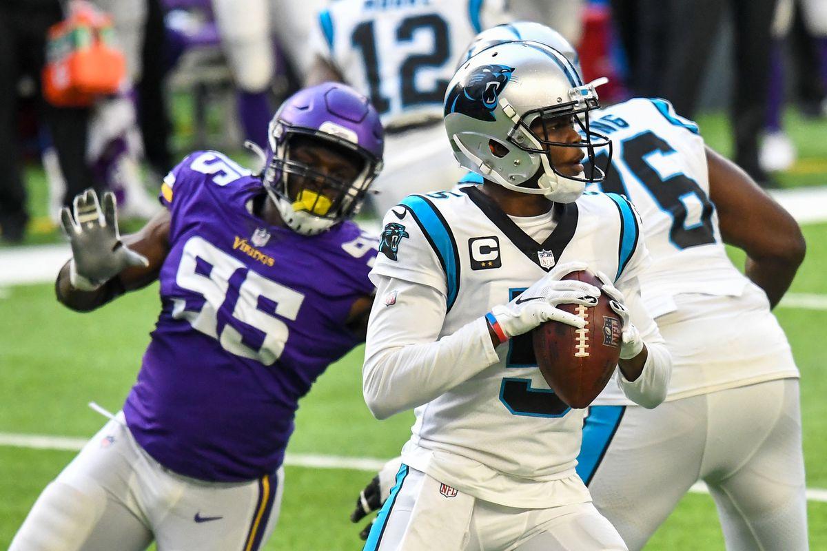 NFL: NOV 29 Panthers at Vikings