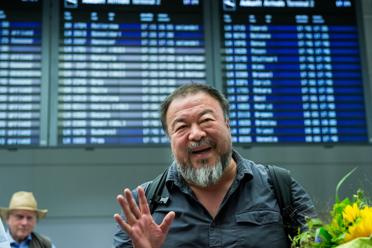 """Ai Weiwei arrives in Munich. Apparently his imaginary """"criminal conviction"""" didn't trouble the German authorities."""