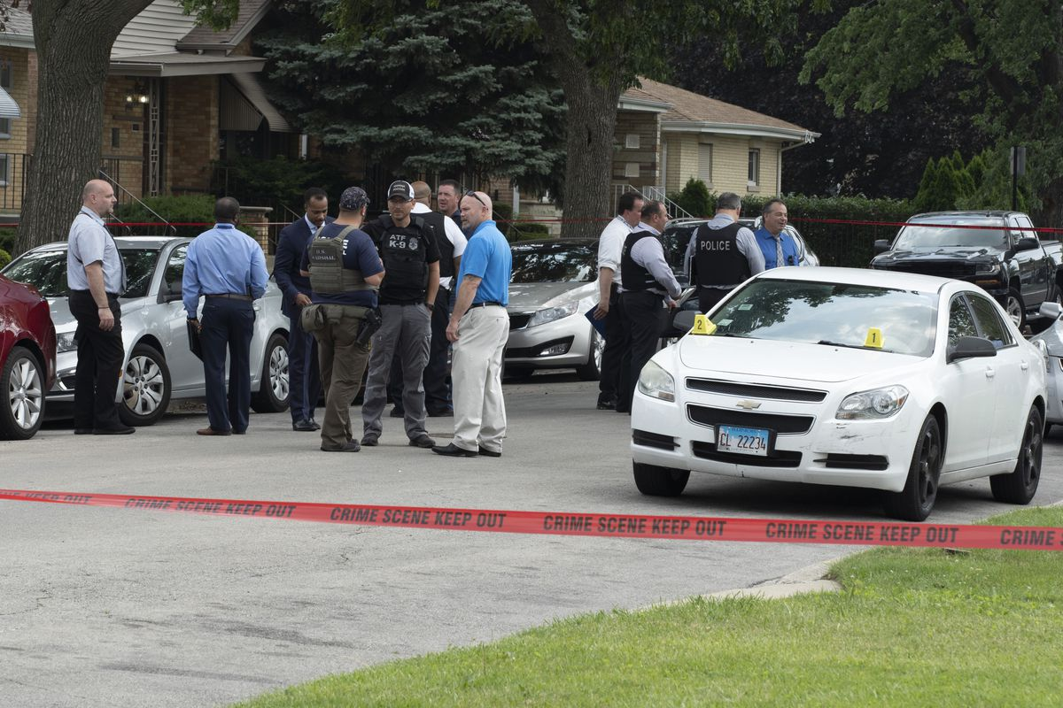 Chicago police activity outside a residential neighborhood near East 89th Pl. and Indiana. Wednesday, June 7, 2021.