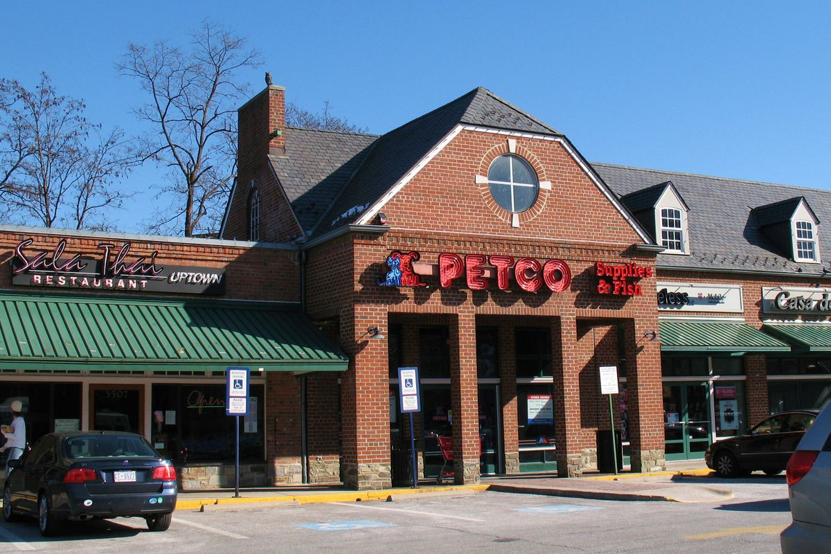 Cleveland Park's Petco will be replaced by Target - Curbed DC