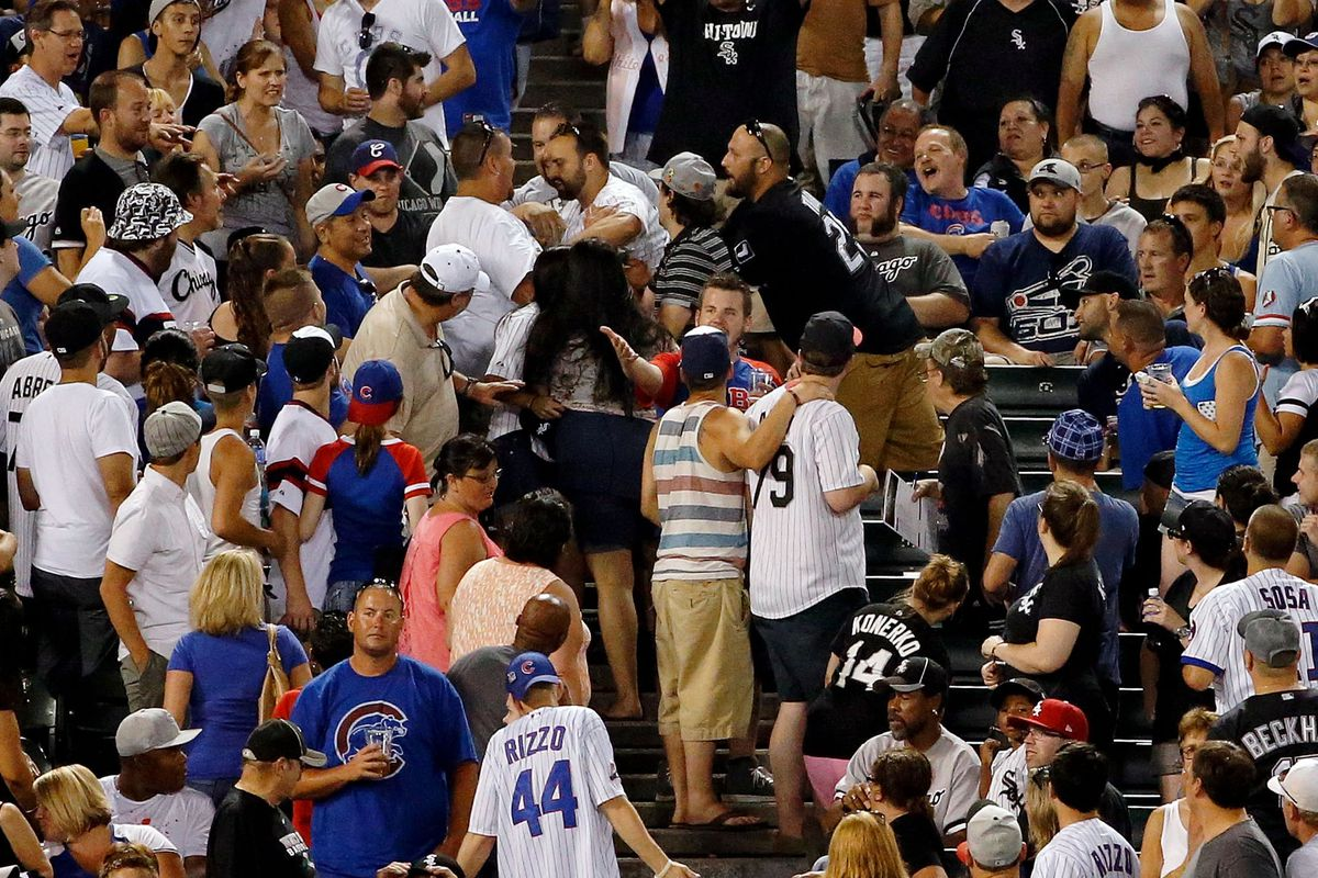 Popular occurrence during Saturday night's White Sox vs. Cubs game