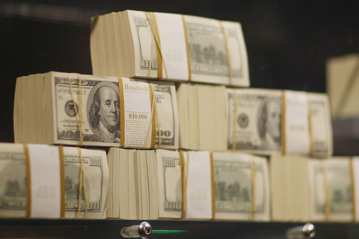 5 Million Dollars In Cash Displayed At Seminole Hard Rock Casino