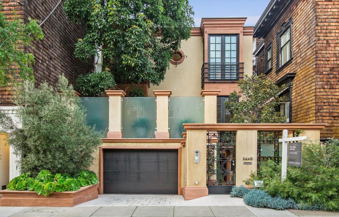 A large San Francisco house with a tan facade.