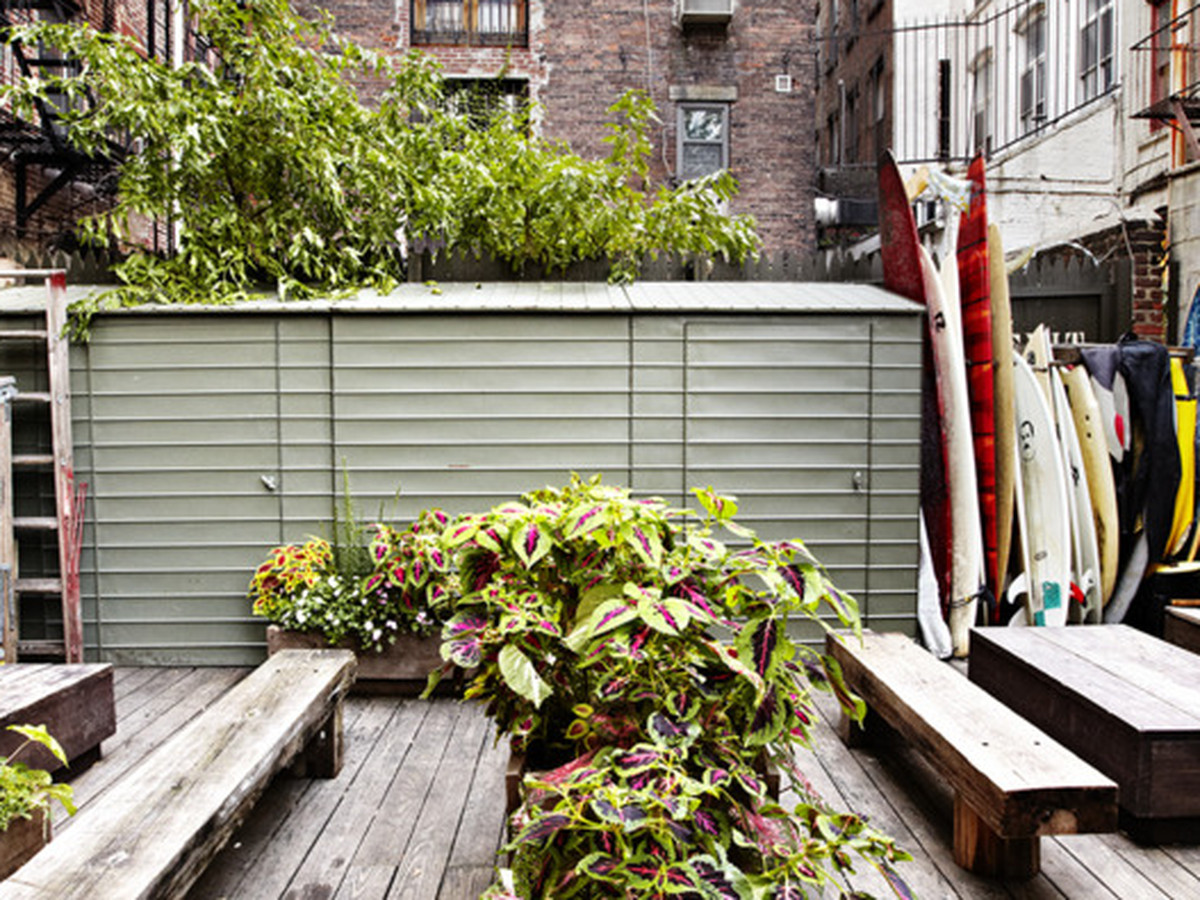 six local new york city stores with their own outdoor hangouts