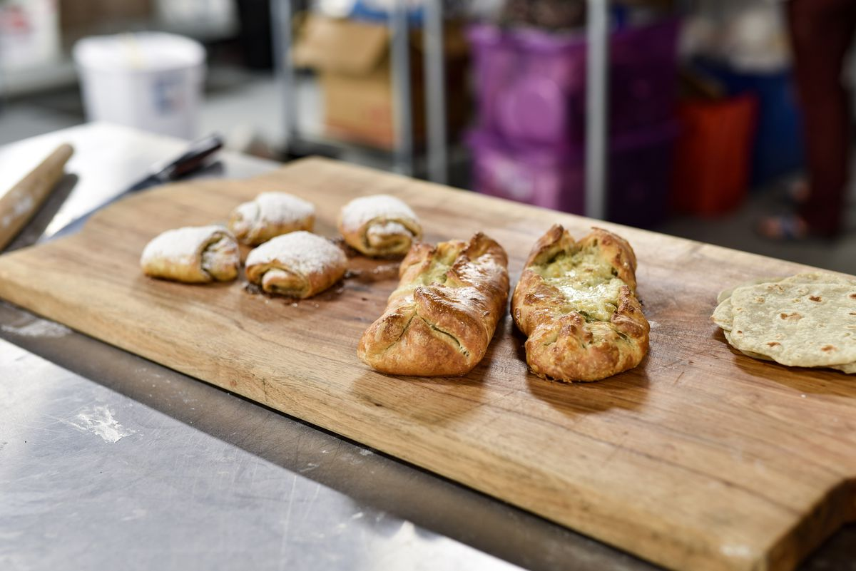 Naan croissants and samosa pies