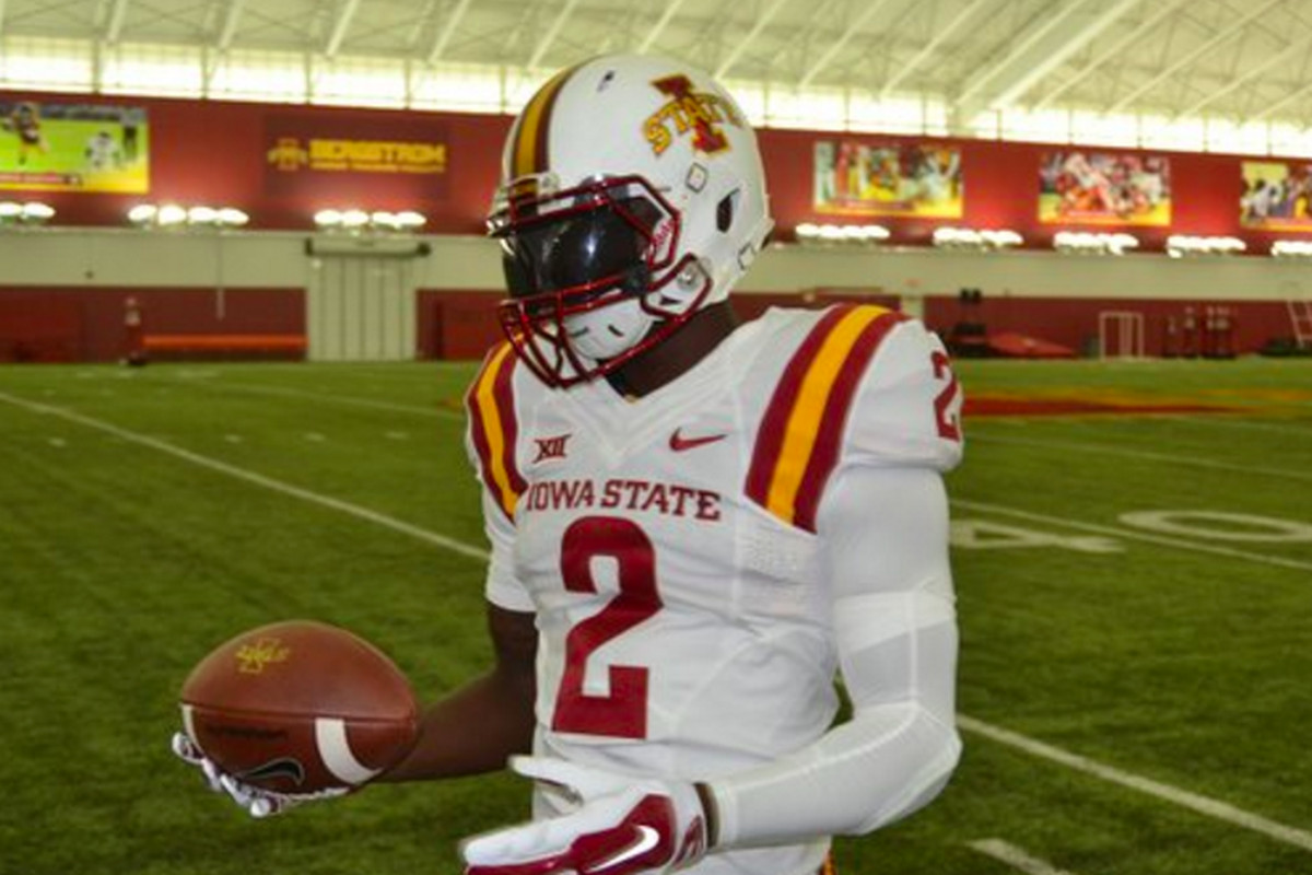 huge selection of 307e8 36c3d Iowa State has new helmets that don't look like USC's ...