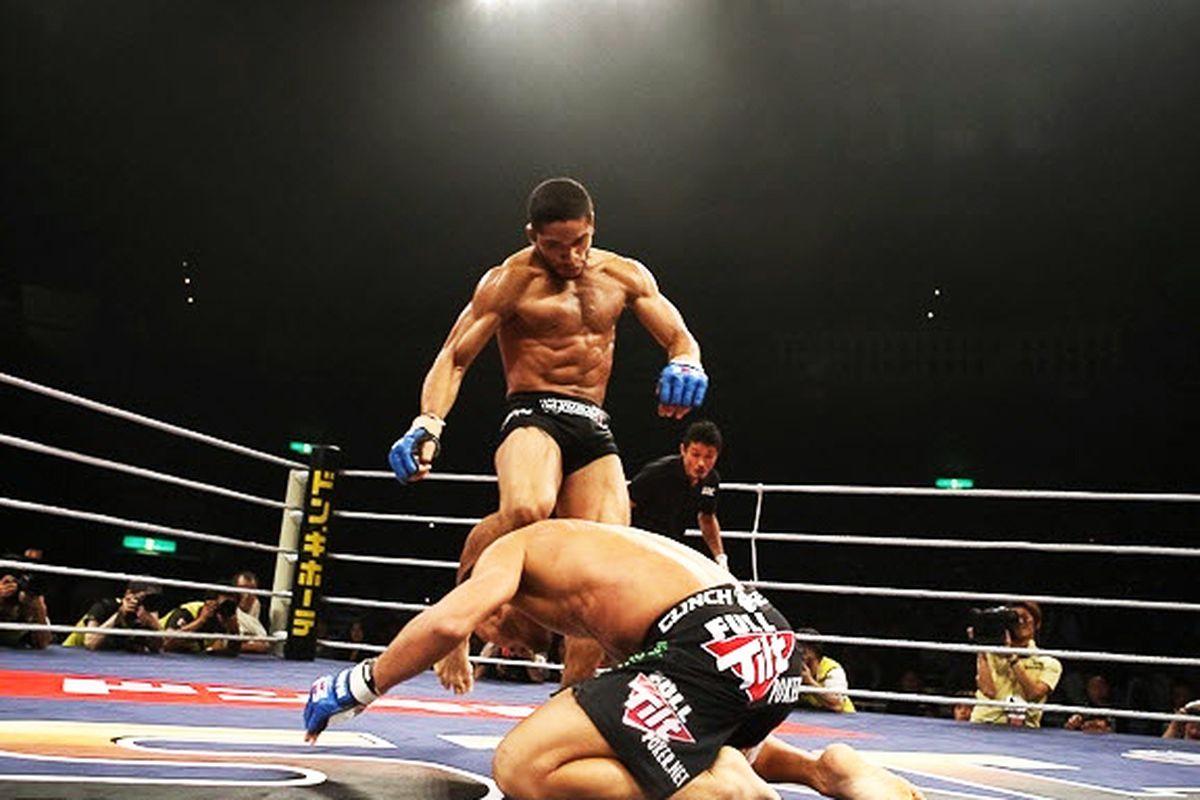 Maximo Blanco vs. Kiuma Kunioku at Sengoku 15. (Photo by Esther Lin)
