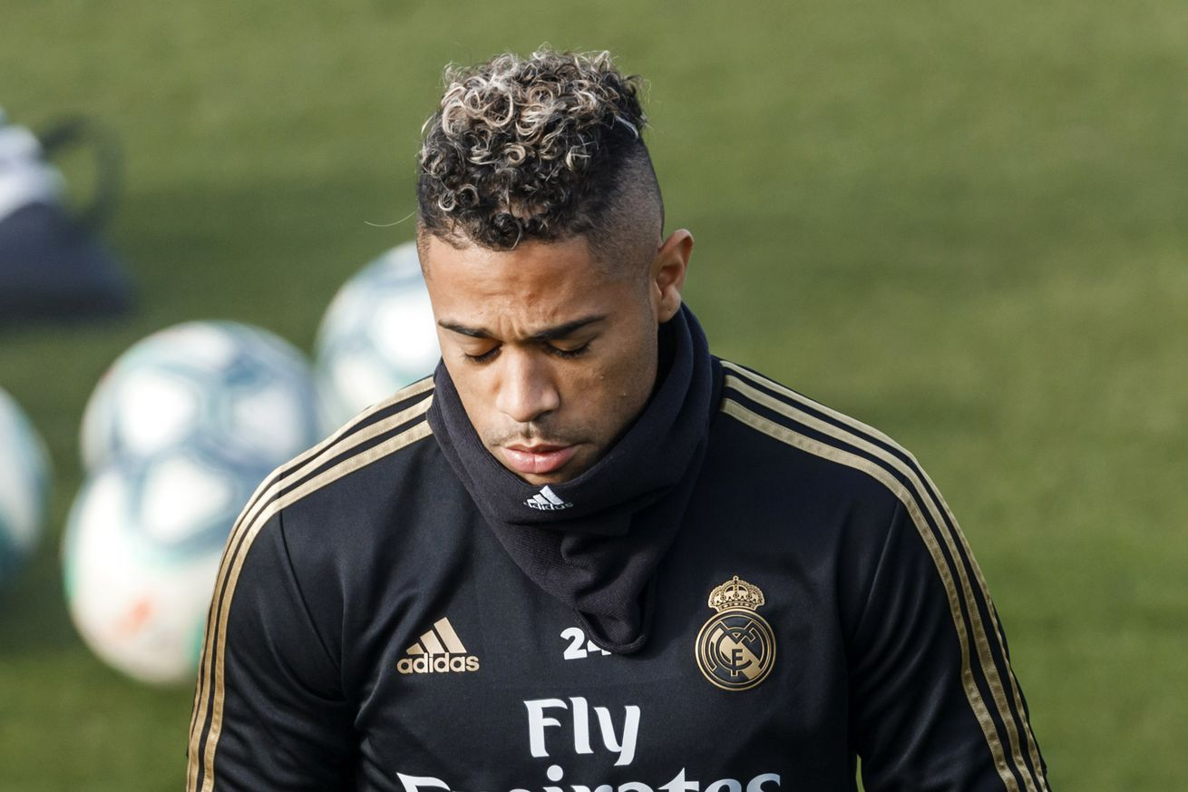 Mariano rejoins Real Madrid squad in training