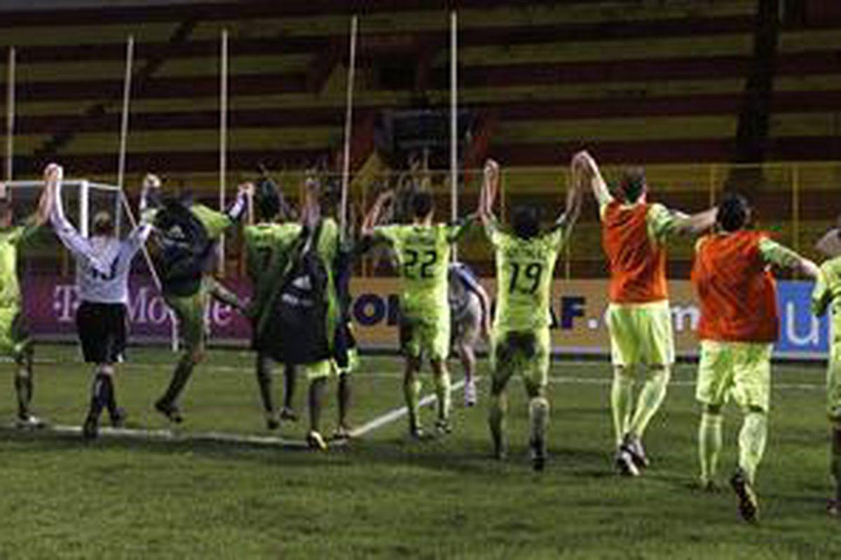 "Seattle Sounders FC after their last trip to Honduras via <a href=""http://www.soundersfc.com/News/Articles/2010/08-August/~/media/776D7CFEC6AD4883A5D6AF5614A89D69.ashx?h=198&w=450&as=1"">www.soundersfc.com</a>"