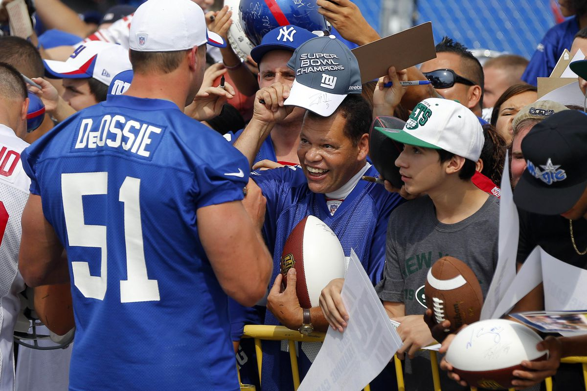 Zak DeOssie greets fans on Autograph Day