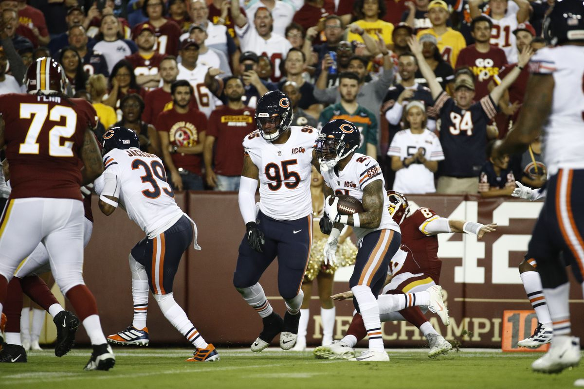 Bears strong safety Ha Ha Clinton-Dix (21) runs with his interception on the way to the end zone during the first half against the Redskins on Sept. 23 at FedEx Field. The Bears won, 31-15