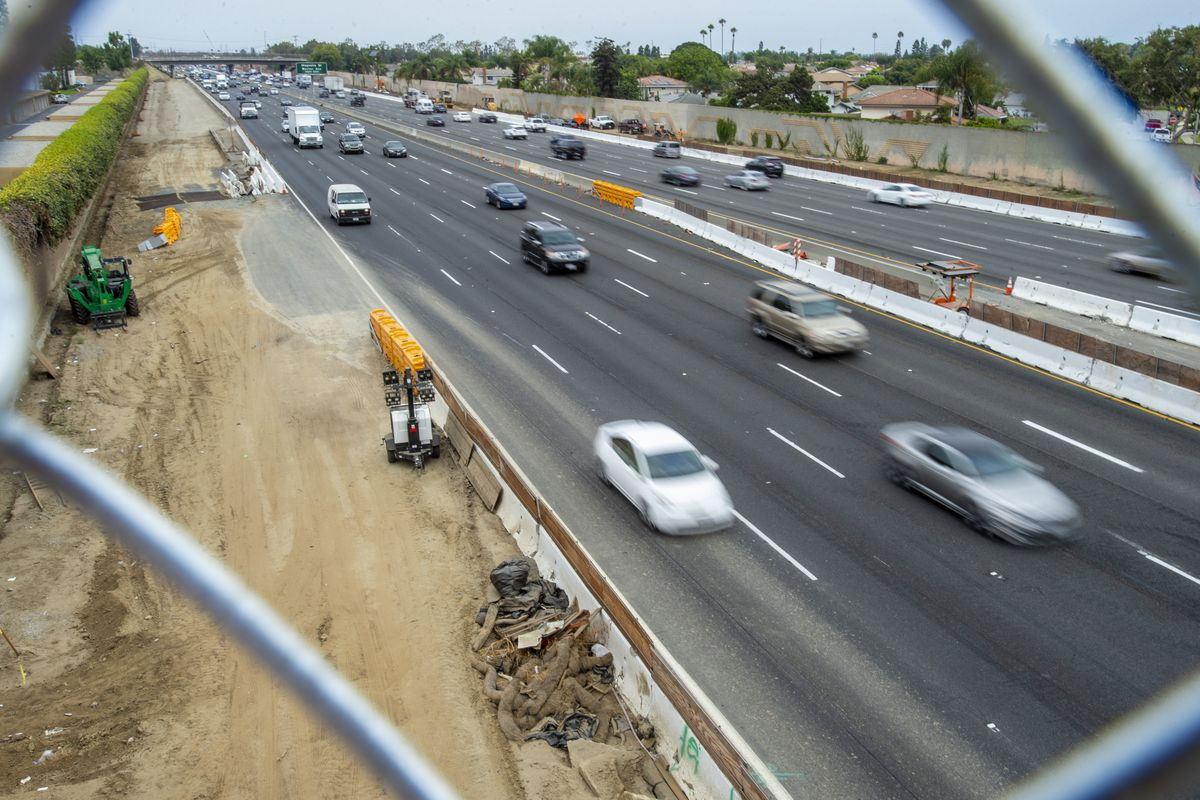 New bridge over 405 freeway will open to drivers