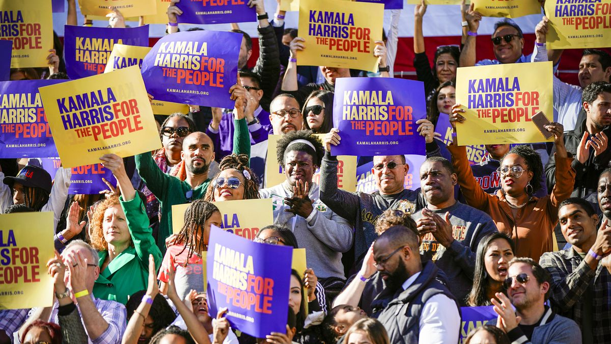 Supporters for Sen. Kamala Harris (D-CA) cheers during the launch of her presidential campaign at a rally in her hometown of Oakland, Calif., on January 27, 2019.