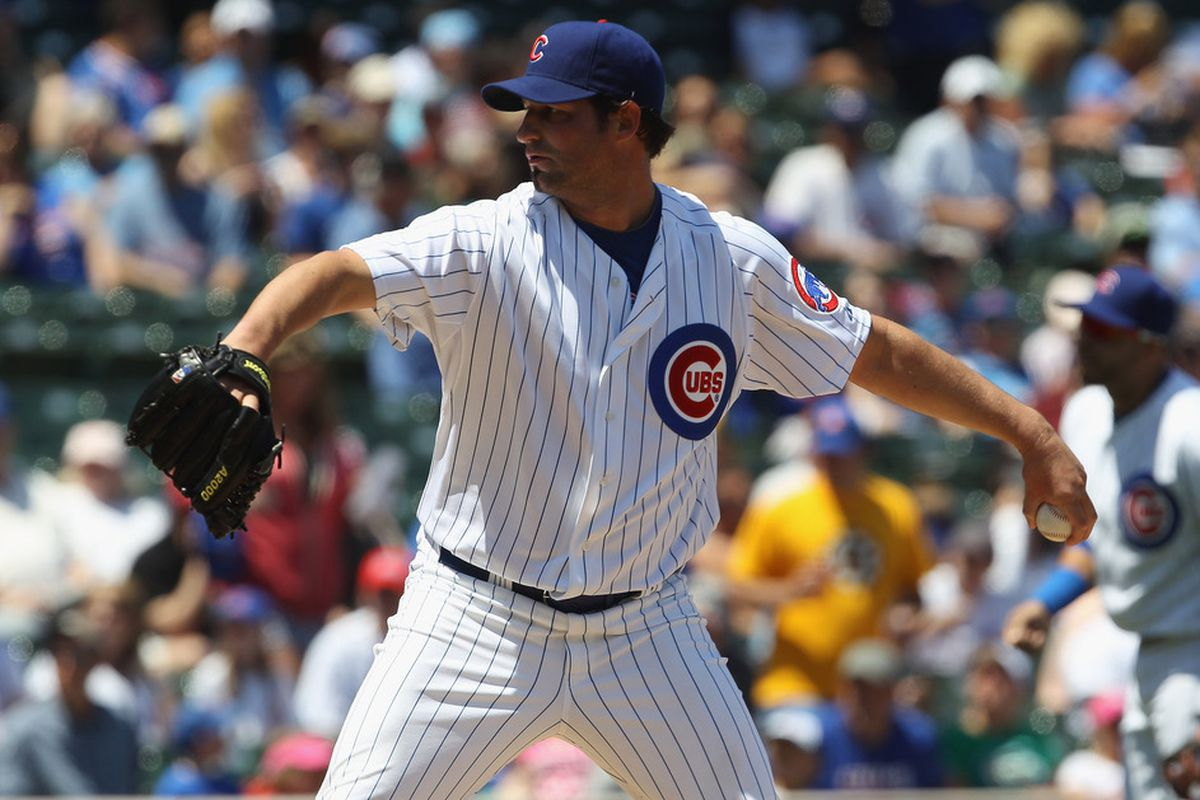 Starting pitcher Doug Davis of the Chicago Cubs delivers the ball against the Houston Astros at Wrigley Field on June 1, 2011 in Chicago, Illinois. (Photo by Jonathan Daniel/Getty Images)