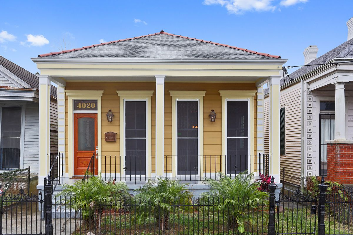 Analyzing price per square foot in 15 new orleans for New home cost per square foot