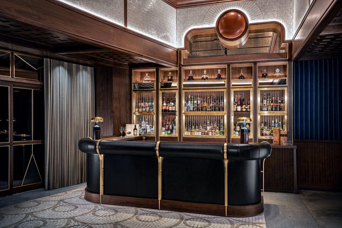 The bar at Sara's