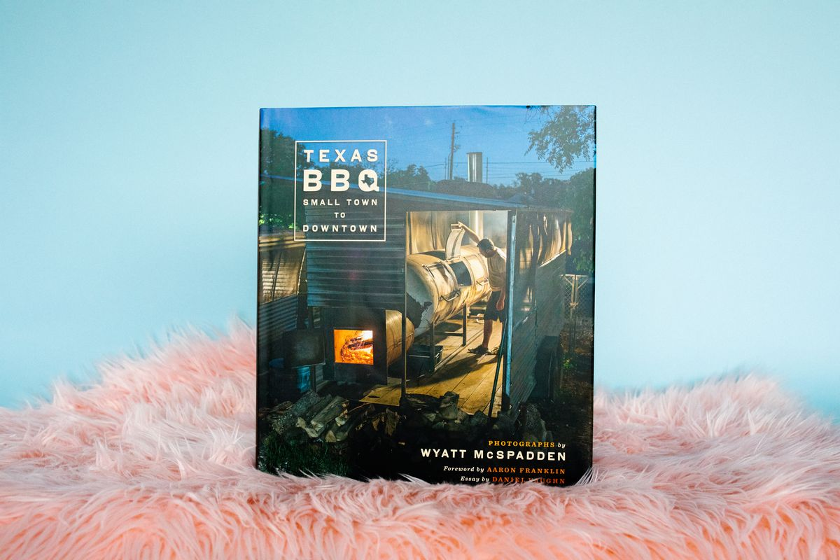 Texas BBQ: Small Town to Downtown book