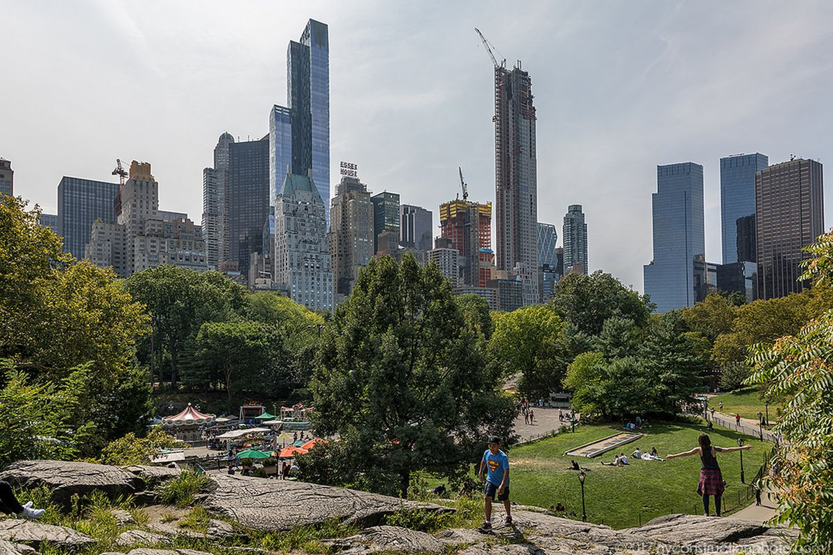 Extell S Central Park Tower Starts To Make A Dent In The