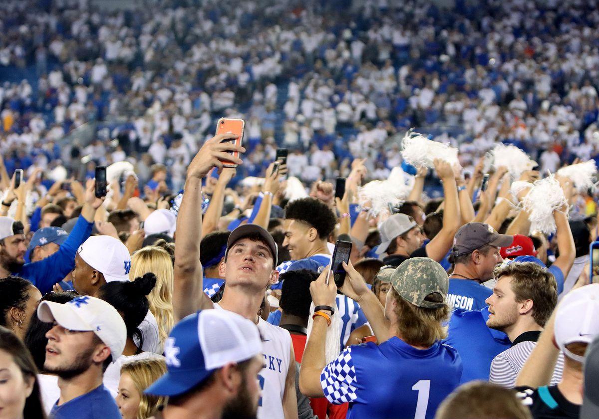 COLLEGE FOOTBALL: OCT 02 Florida at Kentucky