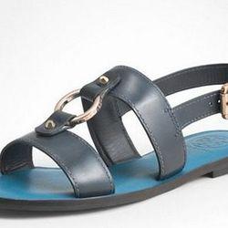 "<a href=""http://www.toryburch.com/FLETCHER-FLAT-SANDAL/51118622,default,pd.html?dwvar_51118622_color=427&start=18&cgid=shoes-sandals""> Tory Burch Fletcher flat sandal </a>,$206.50 toryburch.com"