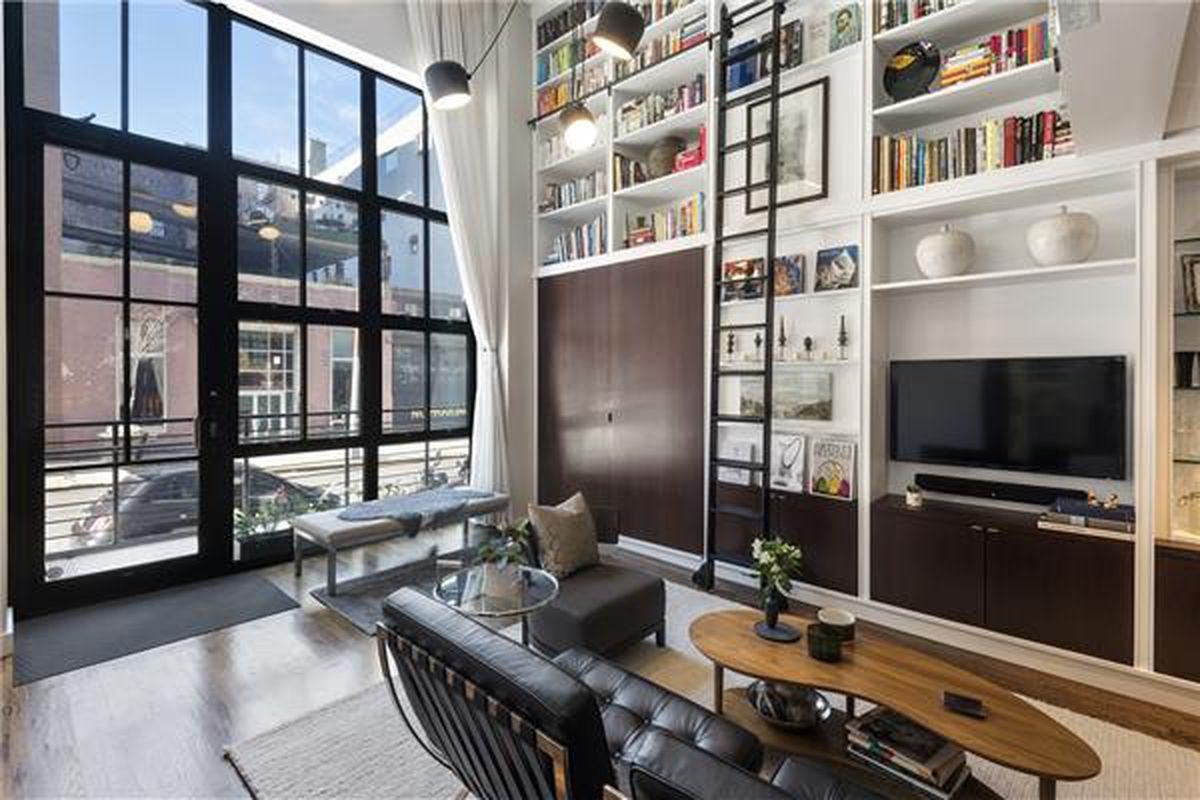 41 Bridge Street living room