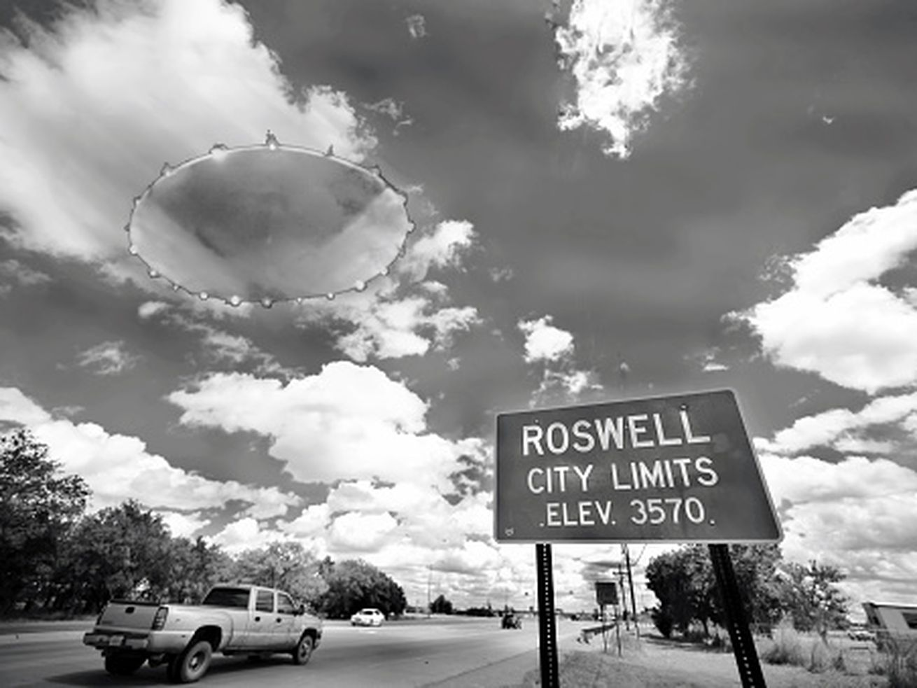 Image of a UFO in the town of Roswell, New Mexico.