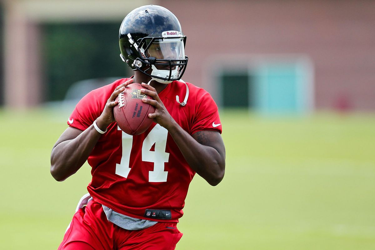 FLOWERY BRANCH, GA - MAY 12: Dominique Davis #14 of the Atlanta Falcons practices during the rookie minicamp at the Atlanta Falcons Training Facility on May 12, 2012 in Flowery Branch, Georgia. (Photo by Daniel Shirey/Getty Images)