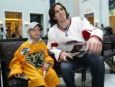 NHL All-Stars Visit Cook Children's Medical Center With Garth Brooks