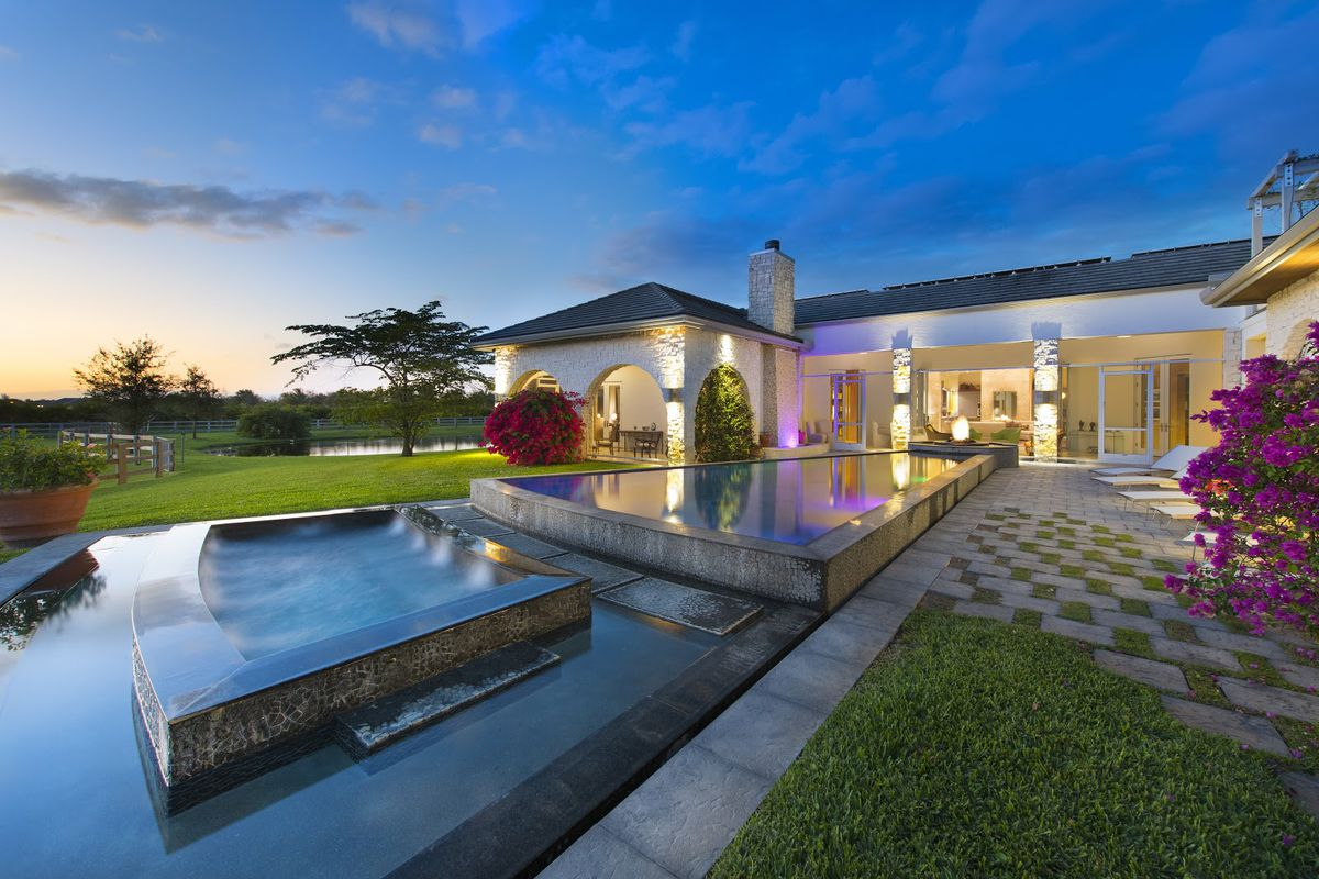 Sprawling Florida Equestrian Estate To Be Auctioned At 4m