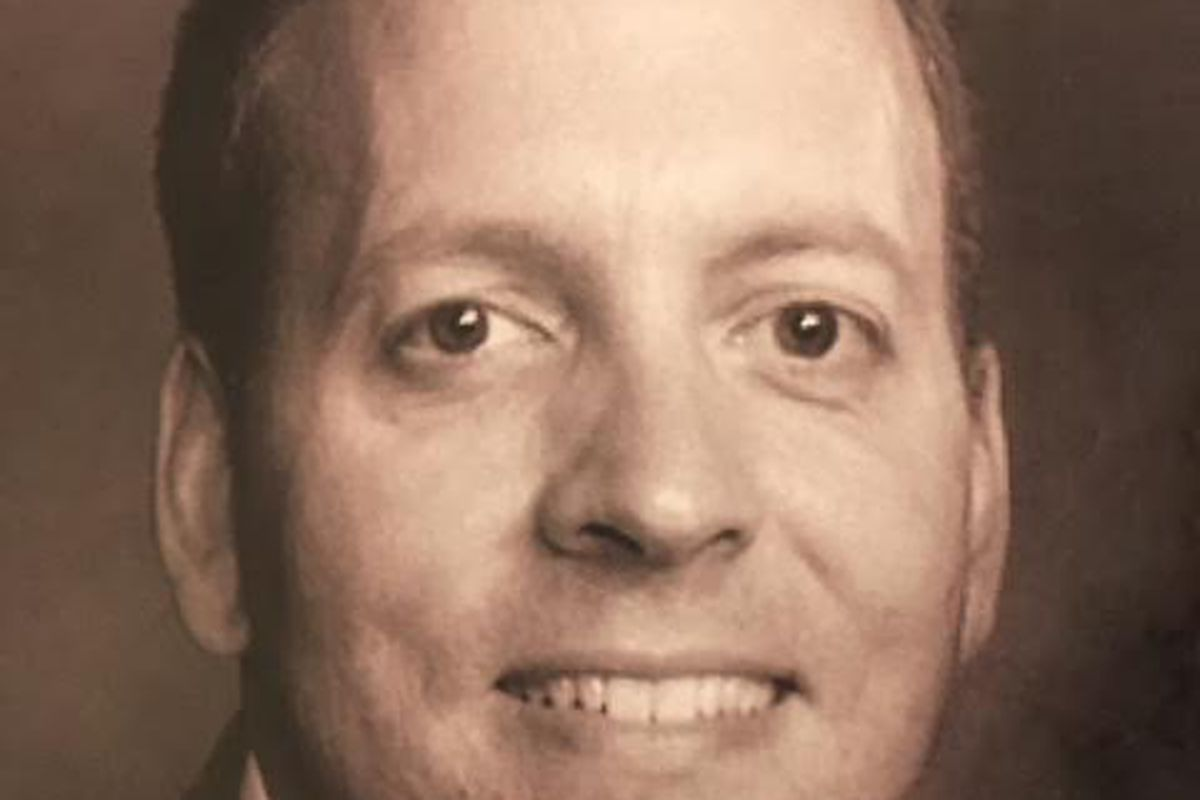 David L. Reichle, third generation in Wilbert concrete burial vault business, dead at 45