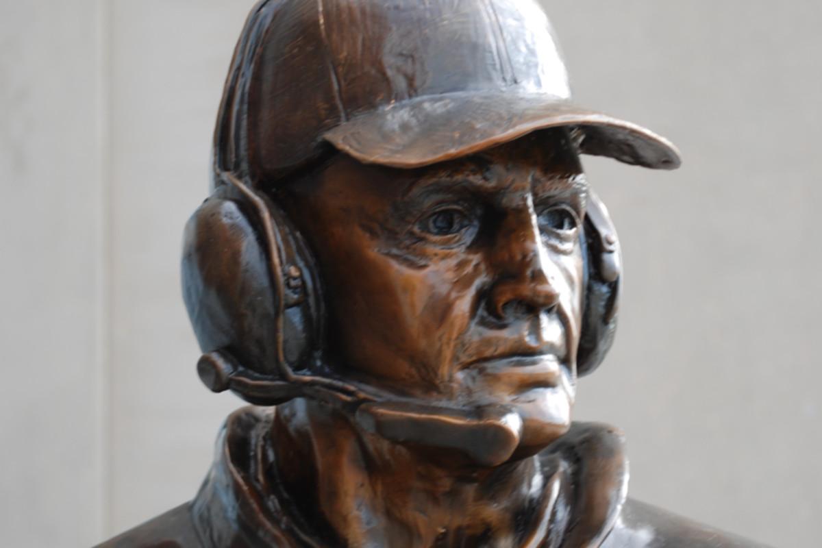 Tom Osborne Statue