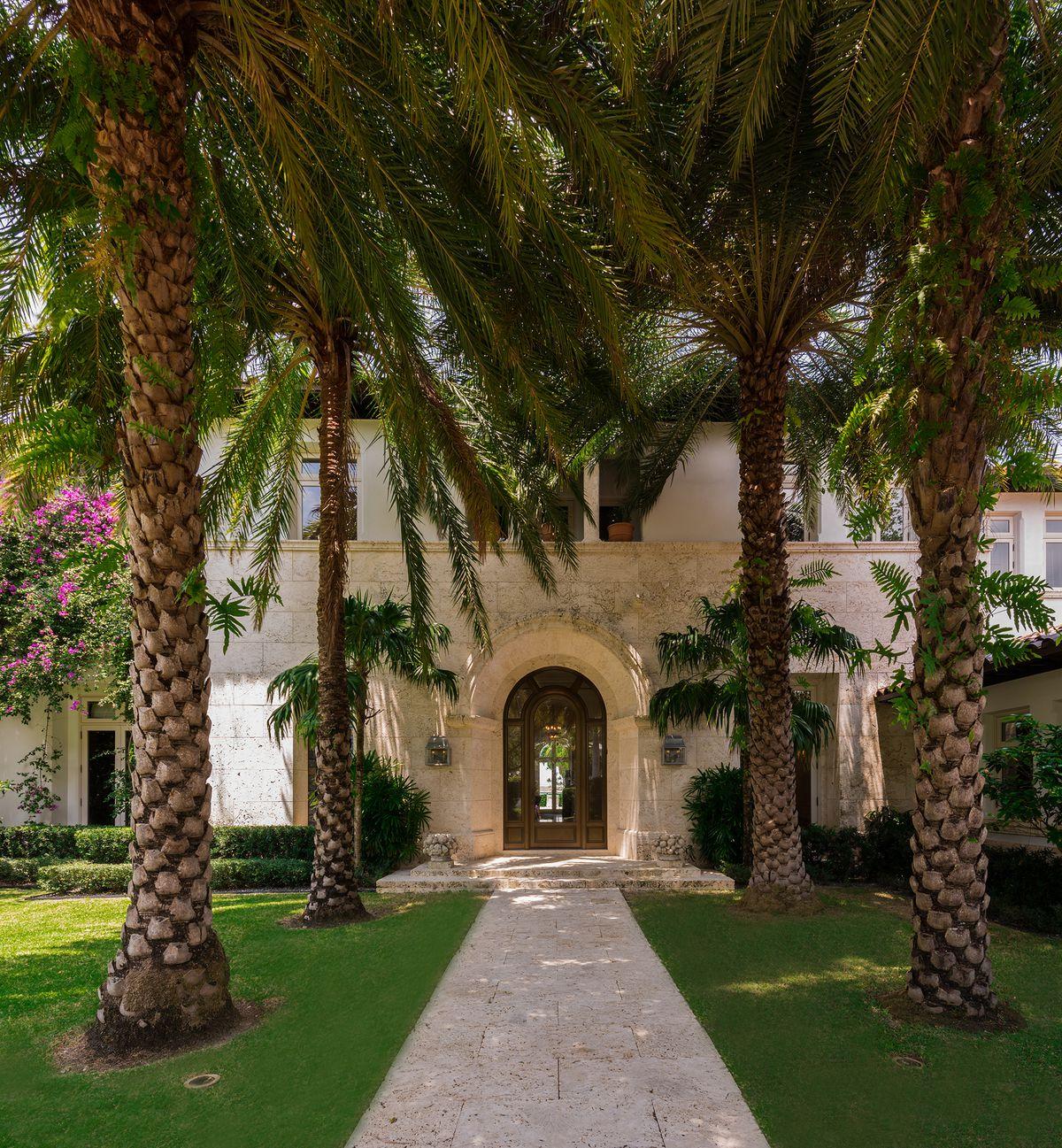 Contemporary Mediterranean House A Private Paradise: South Beach Diet Creator Lists Miami Beach Estate For $23M