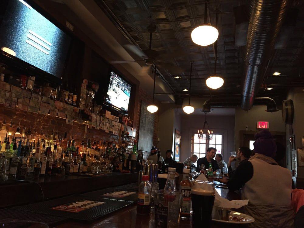 Queen Vic DC bar