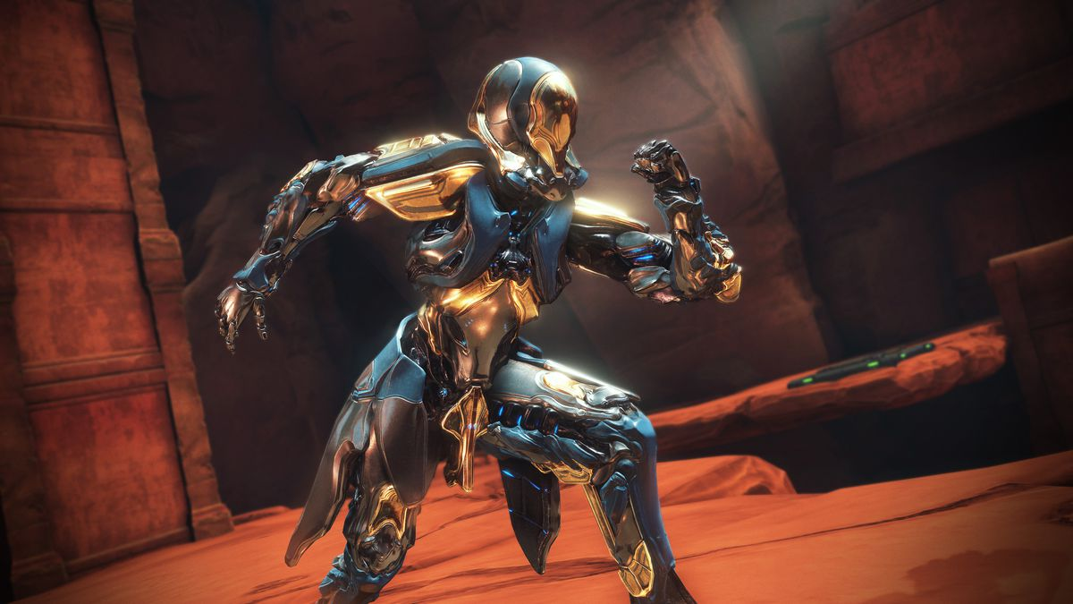 Warframe - the new Gauss Warframe poses, showing off the metal and chrome exoskeleton.