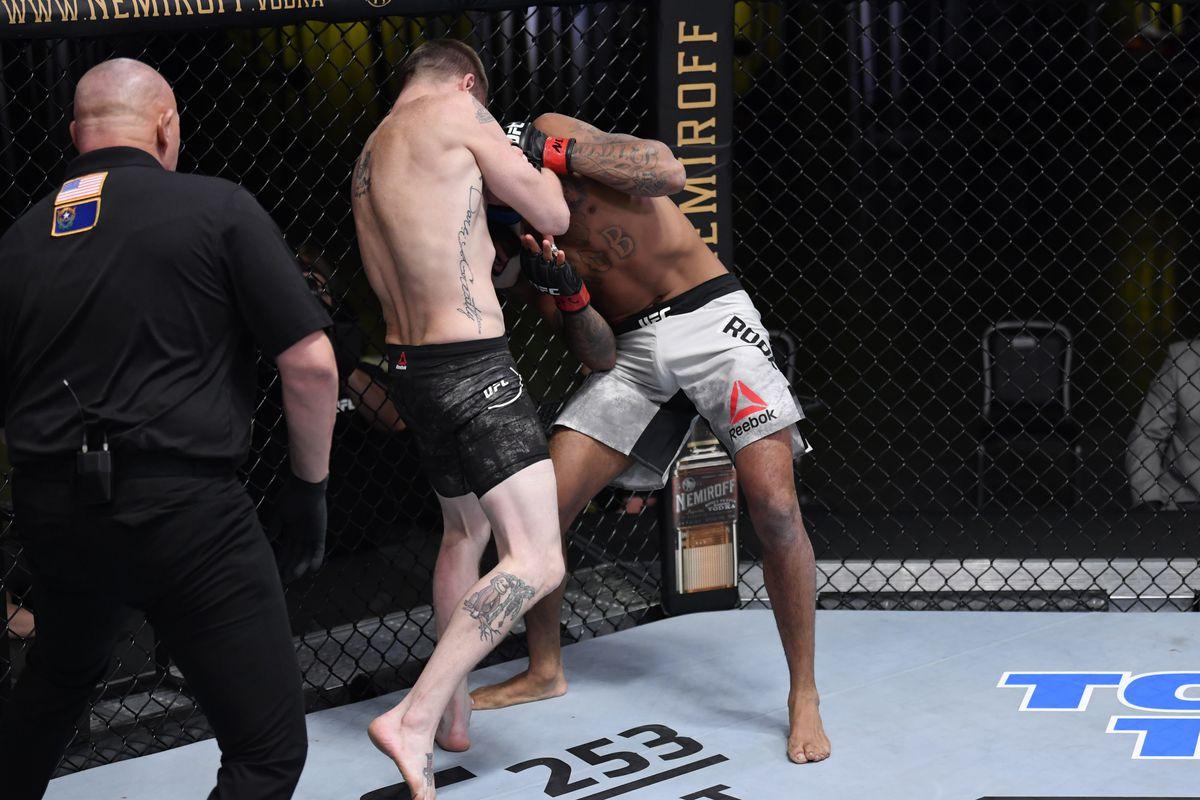 UFC Fight Night: Roberts v Croom