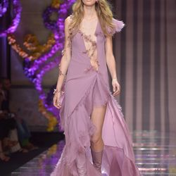 Versace. Photos: Getty