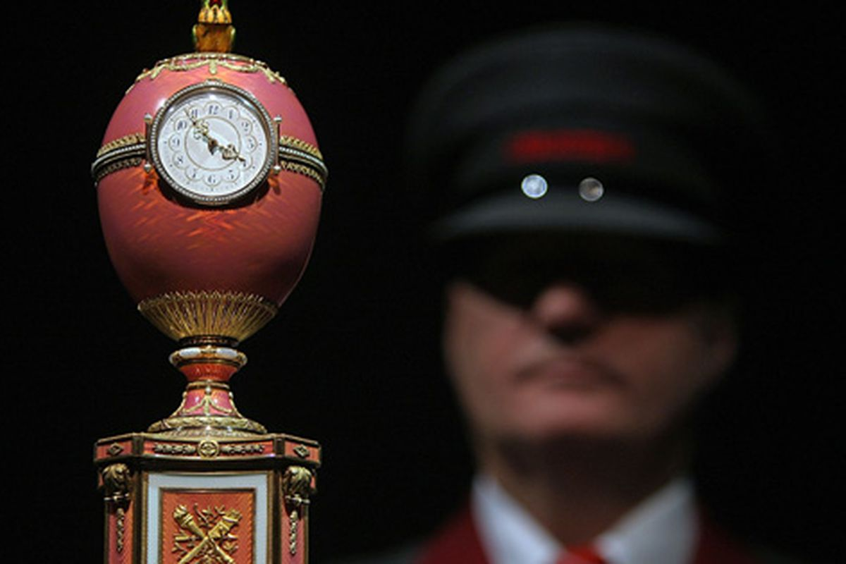 The Fabergé egg clock that sold for $18.5 million in 2007. Image via Getty.
