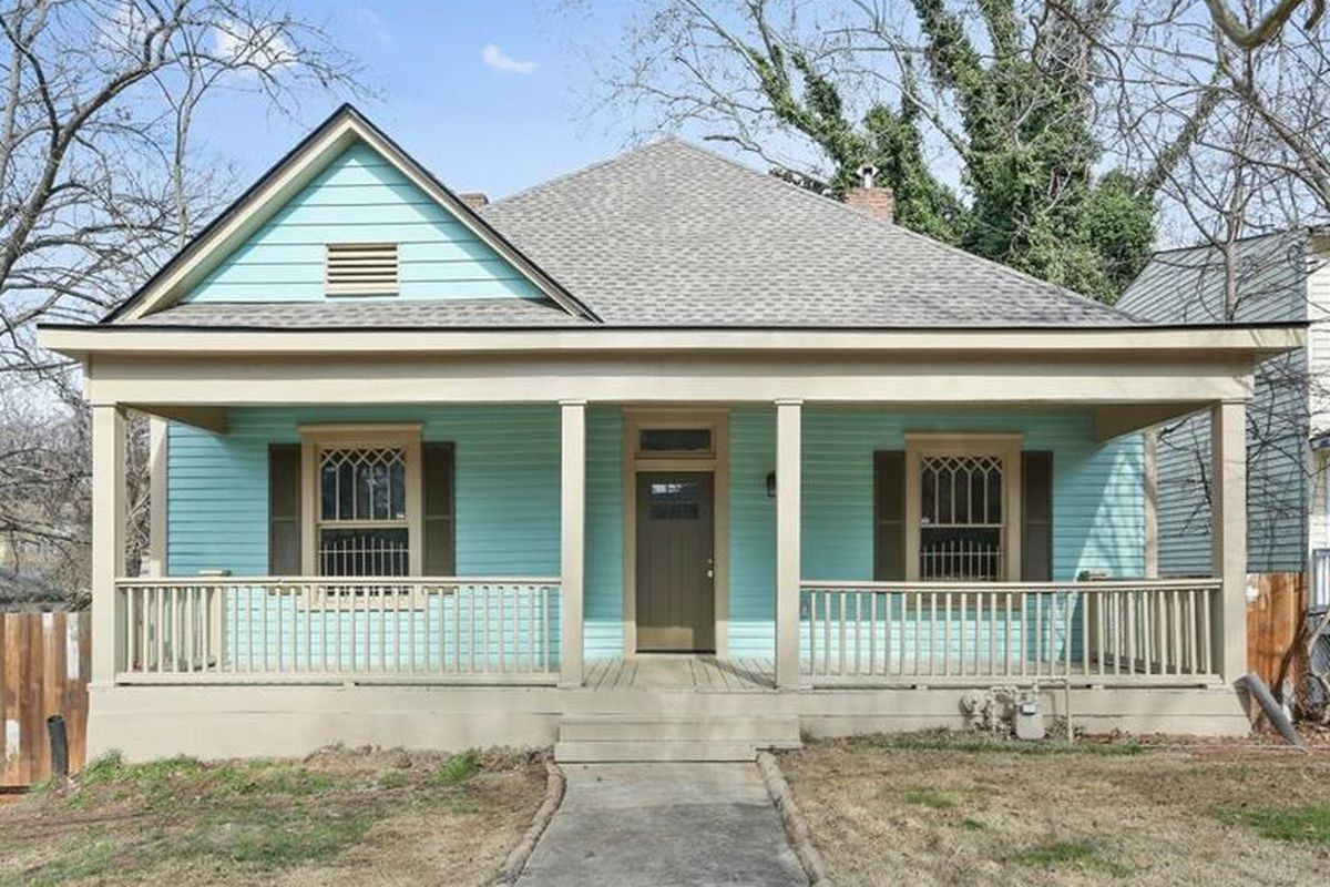 A photo of a renovated older home in West End Atlanta.