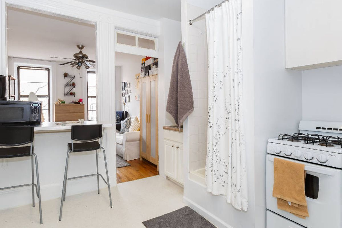 Does This $2,000 East Village Rental Even Have a Bathroom? - Curbed NY