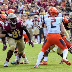 SR DT Derrick Nnadi breaks through the Syracuse offensive line.