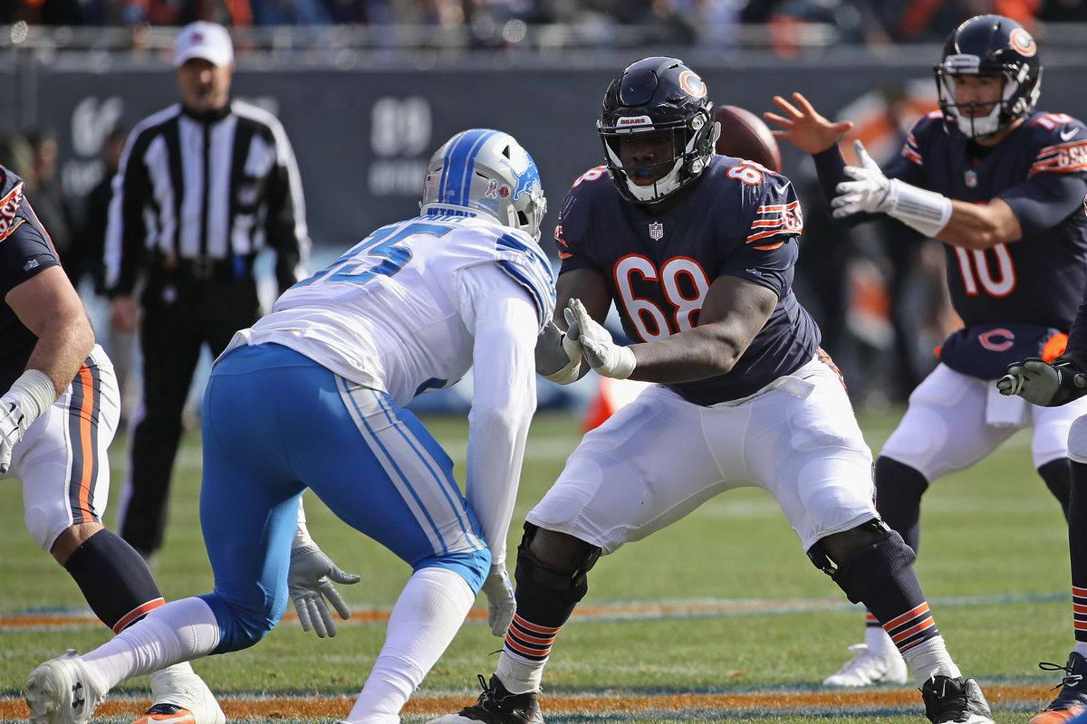 """Bears guard/center James Daniels (68) has a lot of room for growth in his third NFL season after starting 26 of 32 games the past two seasons. """"With the length and the size that James has, I think he has a chance to be a very good guard,"""" new offensive line coach Juan Castillo said."""