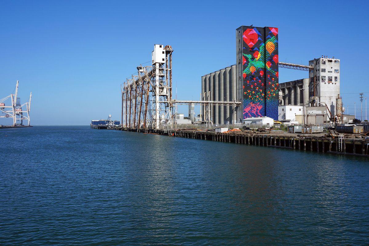 Pier 92 grain silo art project Bayview Rise.