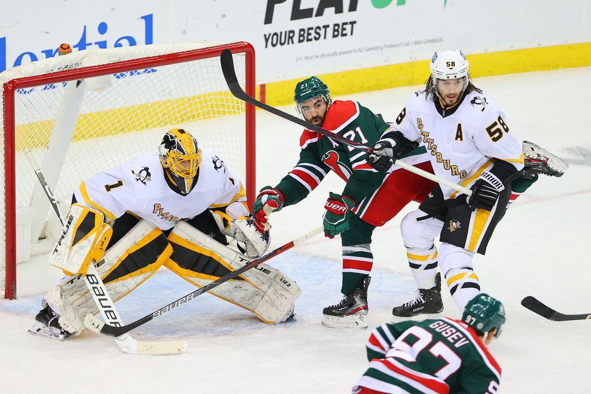 NHL: MAR 20 Penguins at Devils