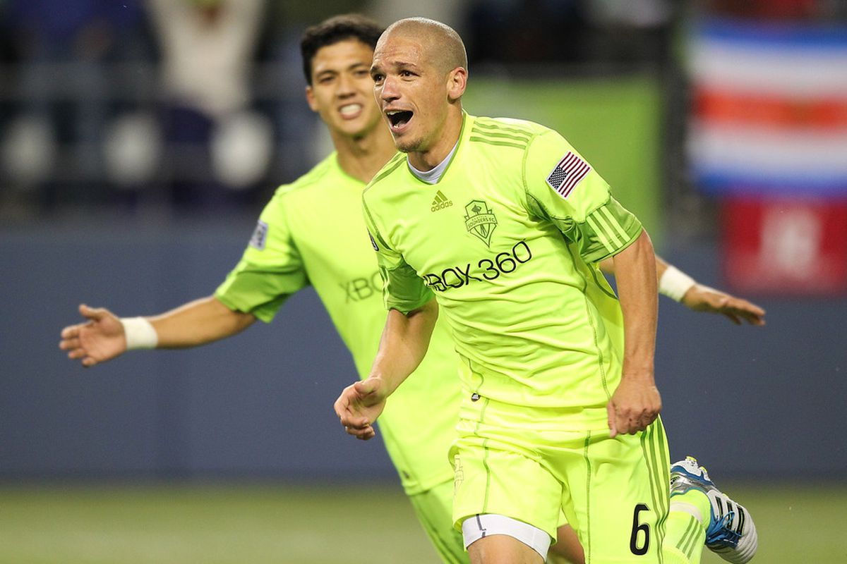 Osvaldo Alonso is just one of many Seattle Sounders who have come to the team via the lower leagues of North American soccer. (Photo by Otto Greule Jr/Getty Images)