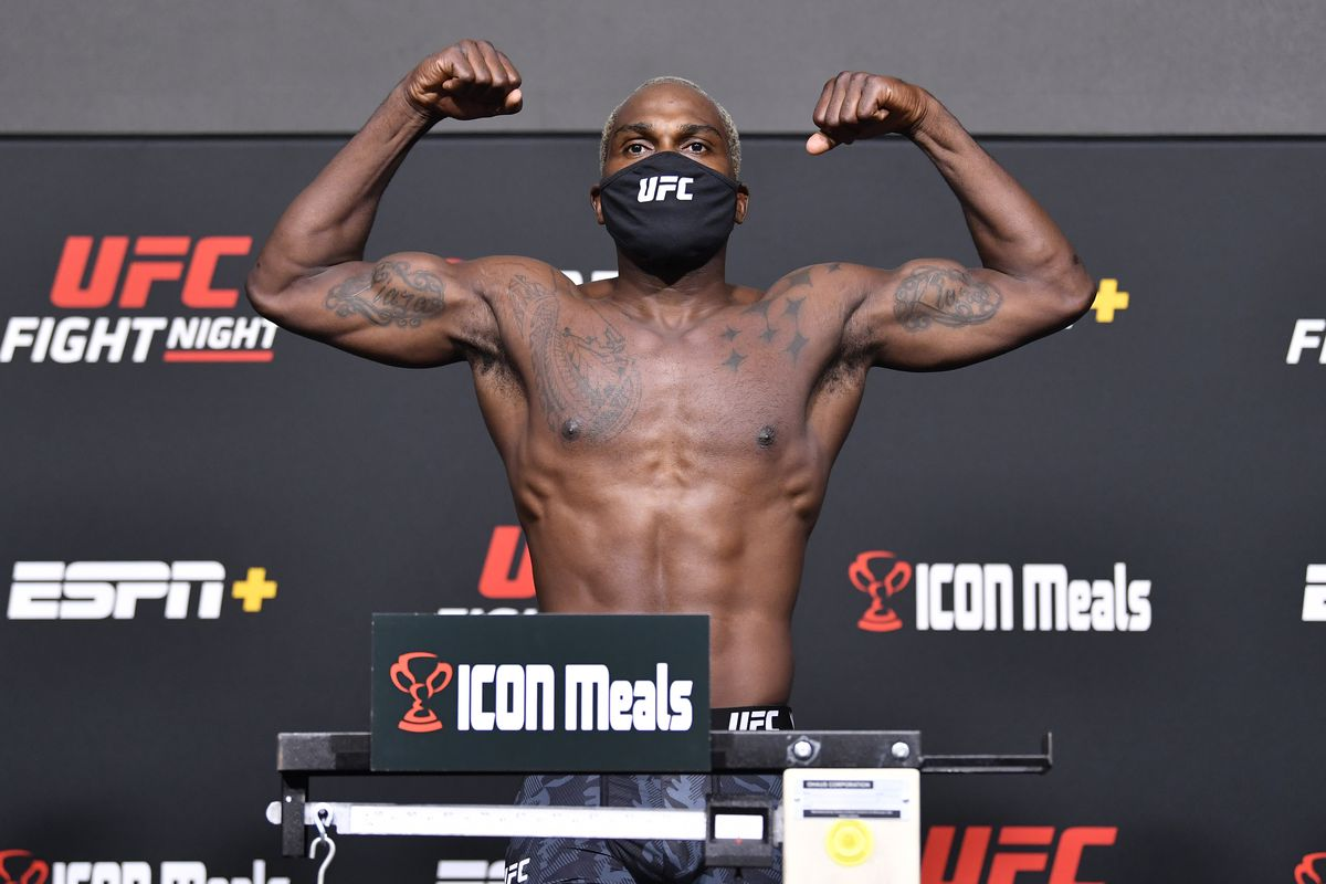 Derek Brunson poses on the scale during the UFC Fight Night weigh-in at UFC APEX on September 03, 2021 in Las Vegas, Nevada.