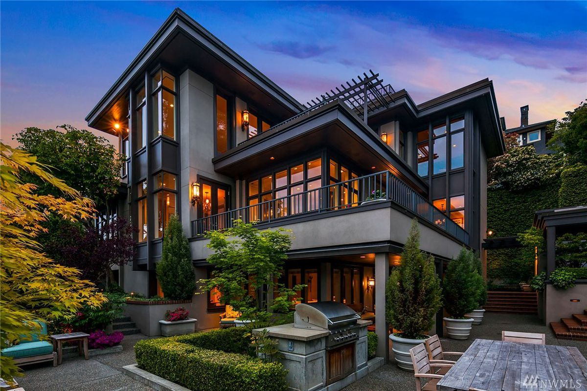 Modern royalty graces queen anne curbed seattle for Sale moderne